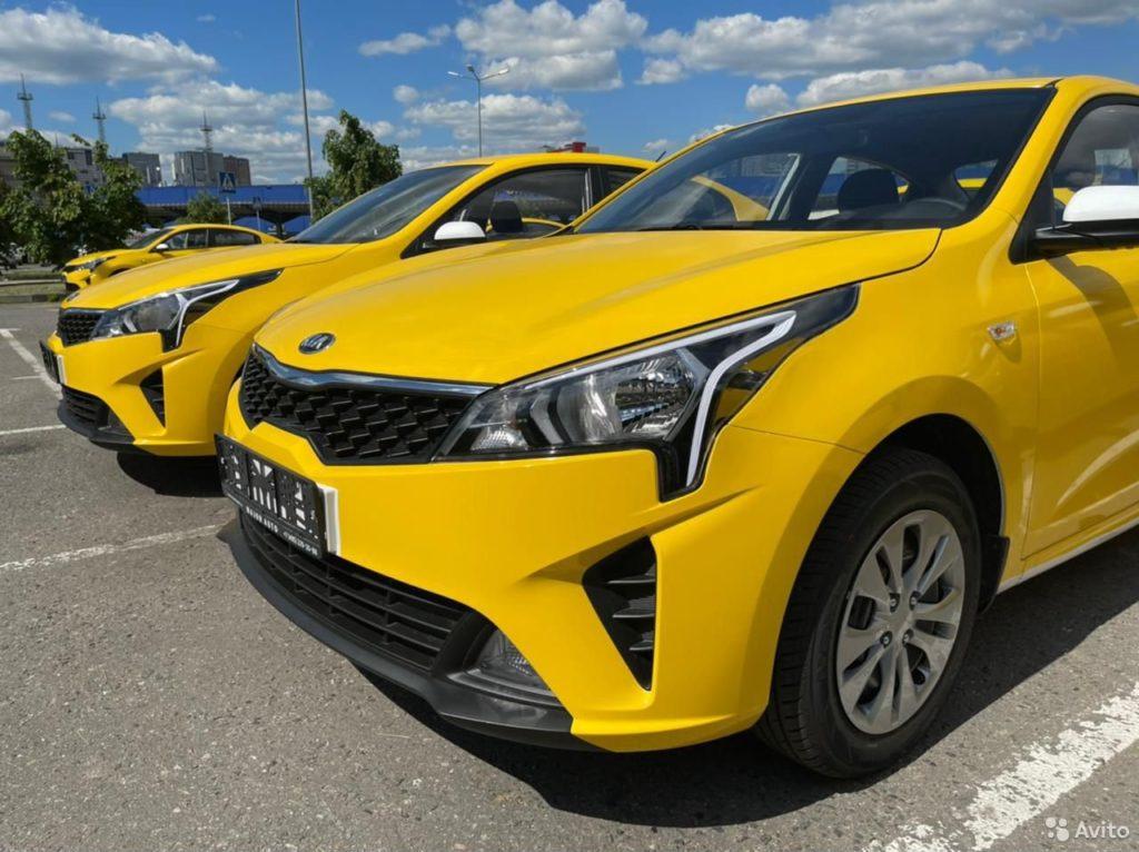 Россияне решили массово подзаработать в такси: спрос на аренду машин вырос в разы, цены тоже подросли