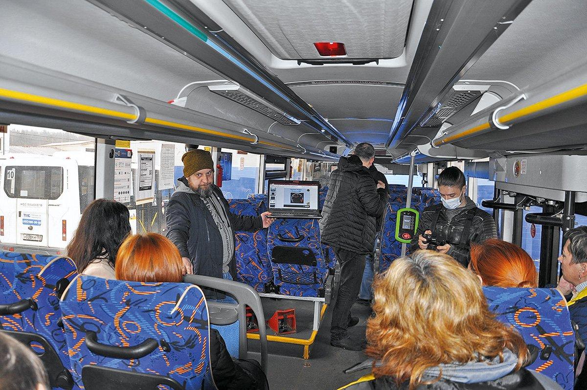 «Не такие закостенелые, как мужики»: инструкторы Scania оценили навыки женщин-водителей автобусов