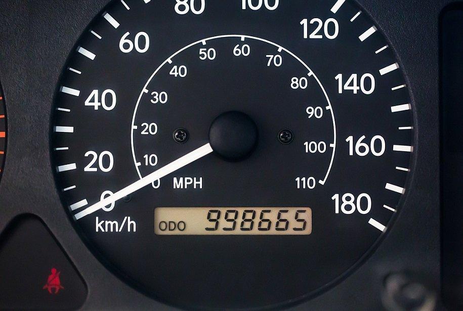Пробег или возраст: на что обращать внимание перед покупкой автомобиля и почему