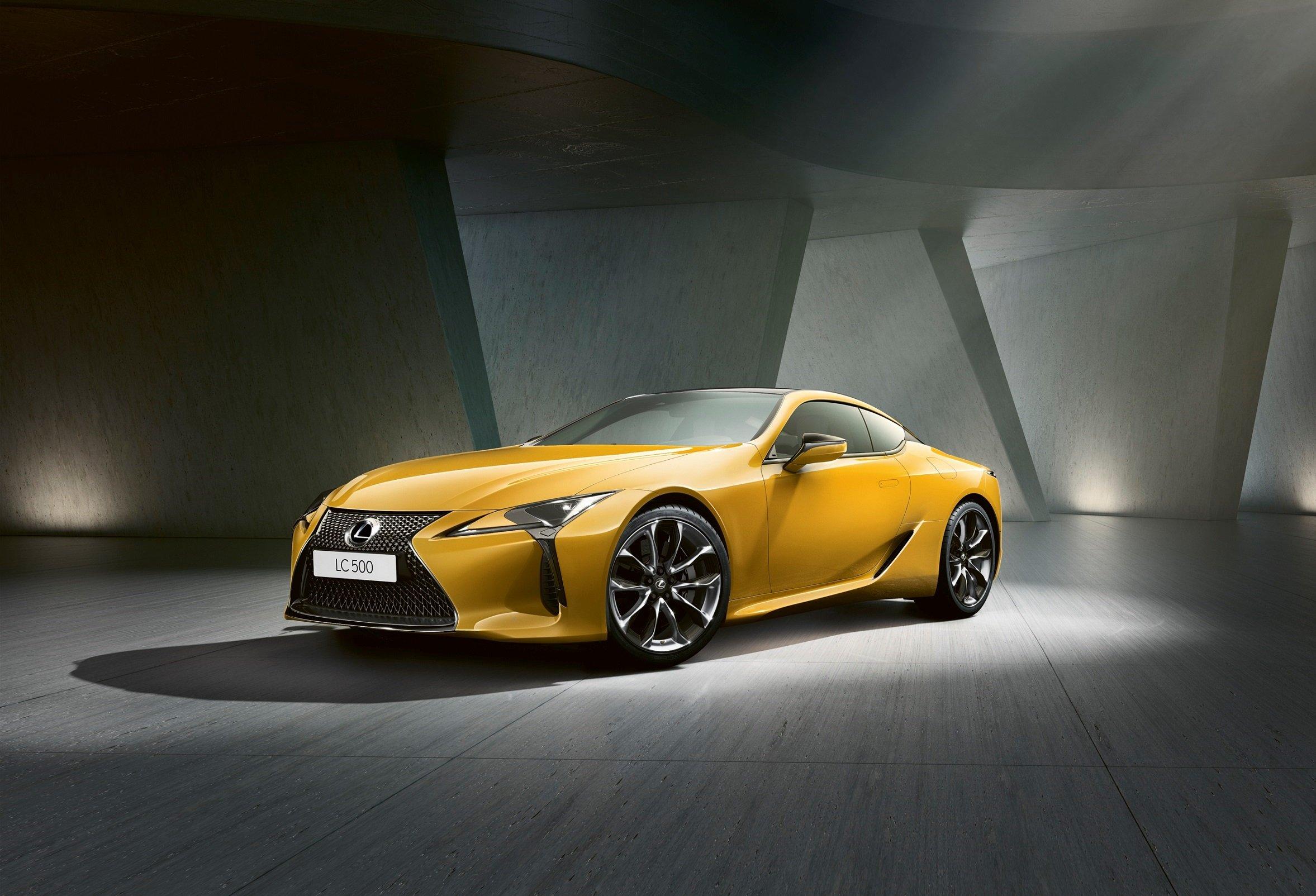 Lexus LFA – и не скажешь, что это суперкар был выпущен 15 лет назад