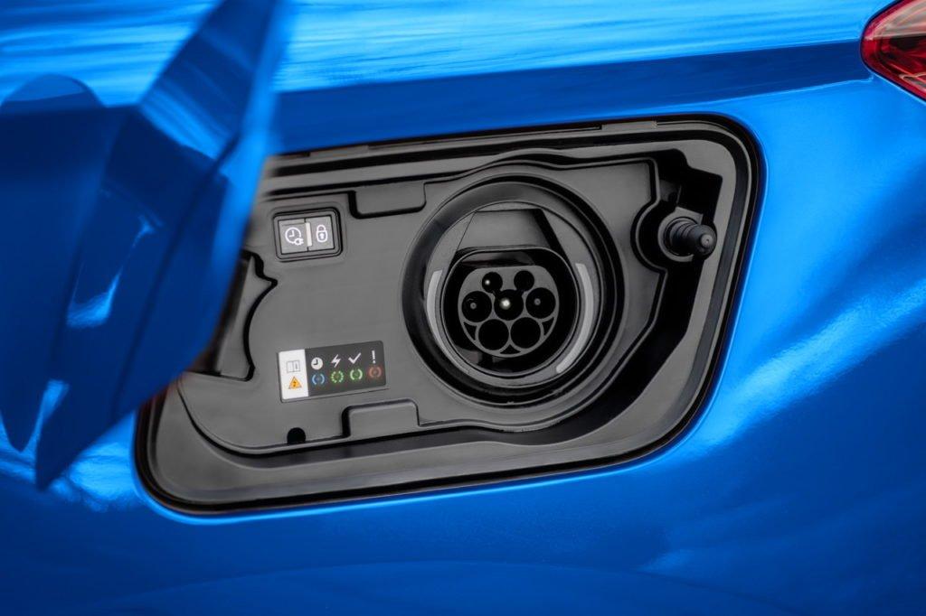 Обновлённый Opel Grandland порадовал дизайном и оснащением