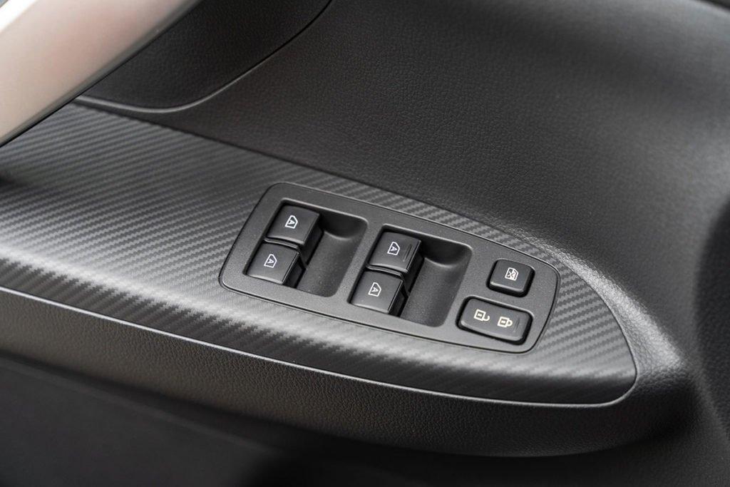 Как едет обновлённый Mitsubishi Eclipse Cross с атмосферным мотором и почему турбо лучше