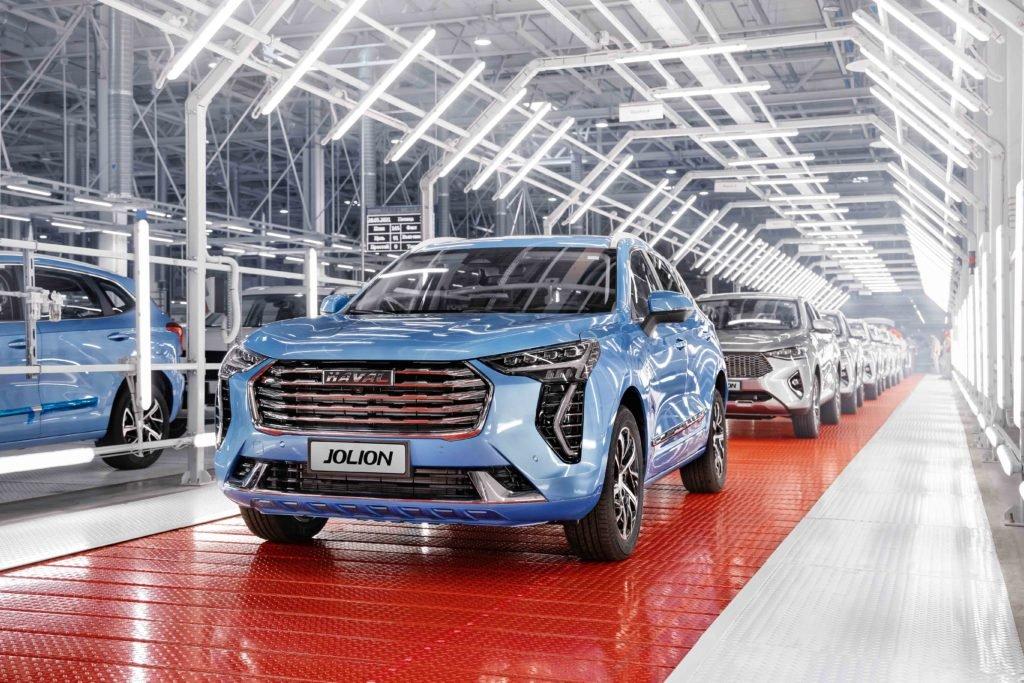 Российский автозавод выпустил 30 000 китайских автомобилей