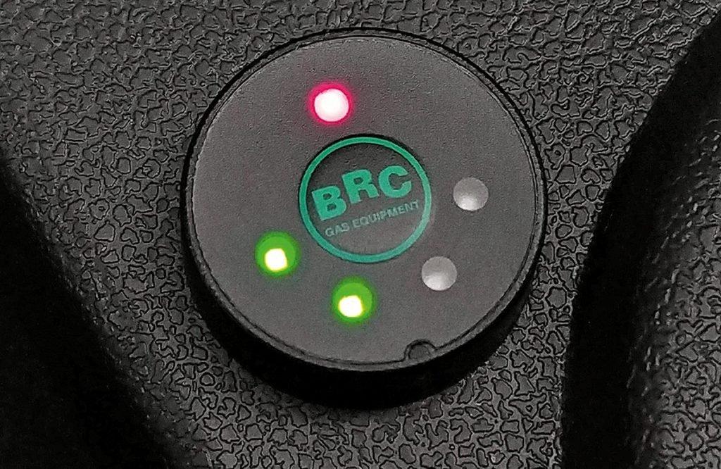 Почему ставить ГБО не выгодно: перечисляем все минусы перевода машины на газ (их больше чем плюсов)