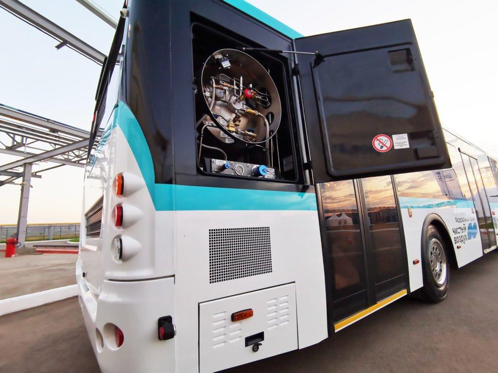 Поддать газу: почему в России буксует газификация коммерческого транспорта