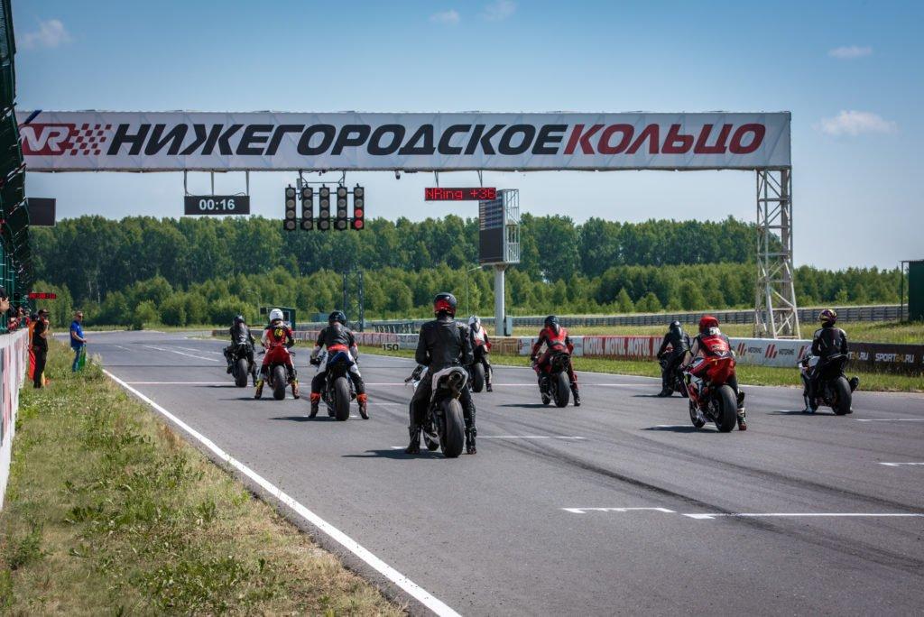 Чемпионат Motoring: жаркий экватор