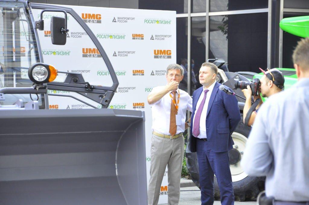 Холдинг «Объединенная машиностроительная группа» передал заказчику новый телескопический погрузчик TLH-3507