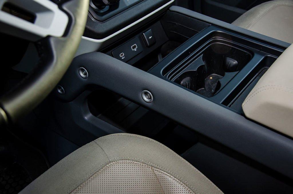 Слабоумие и отвага: как мы испытывали новый Land Rover Defender