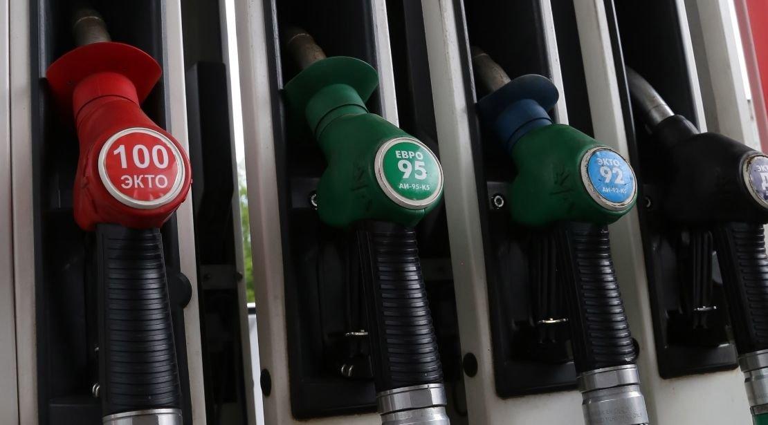 Цена 92-го бензина в России обновила исторический максимум