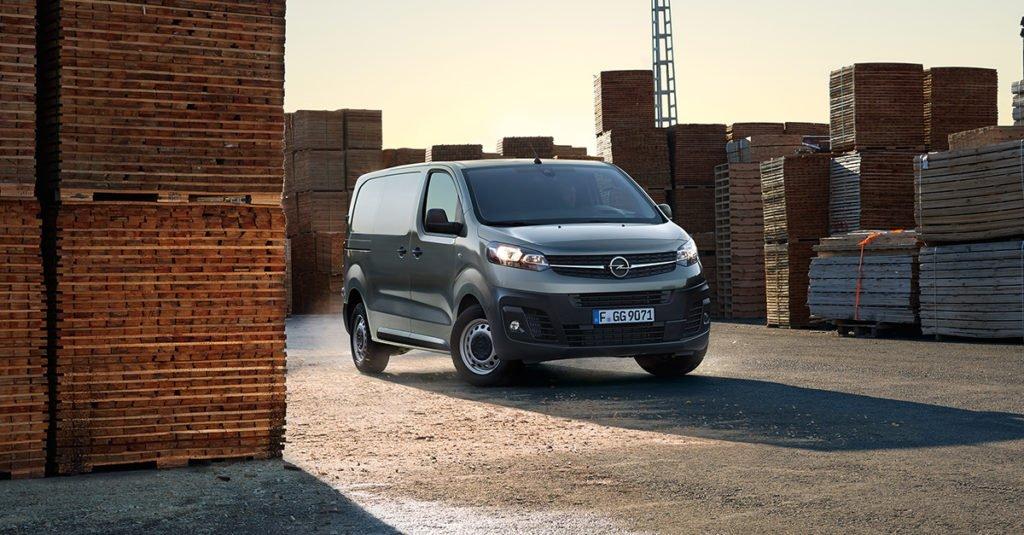 Стартовал прием заказов на фургон Opel Vivaro с АКП