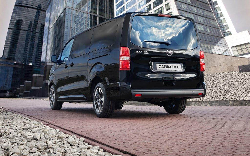 Opel открывает предзаказы на новые полноприводные версии Zafira Life и Vivaro