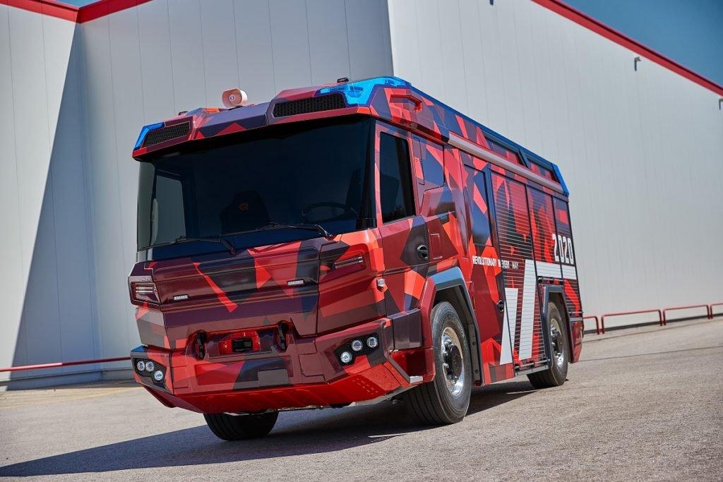 Volvo Penta и Rosenbauer впервые представили электрическую пожарную машину