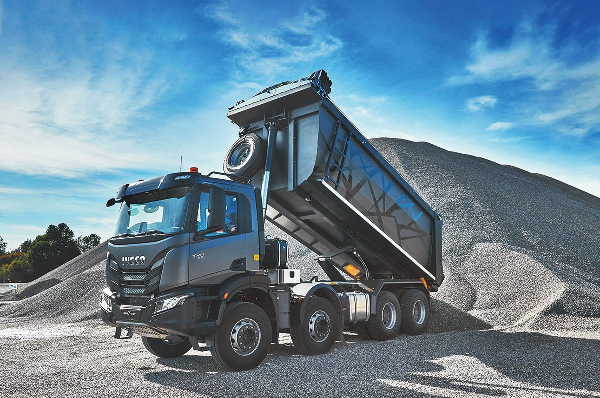 Карьерный самосвал Iveco T-Way: этот грузовик хочет, чтобы с ним обращались плохо