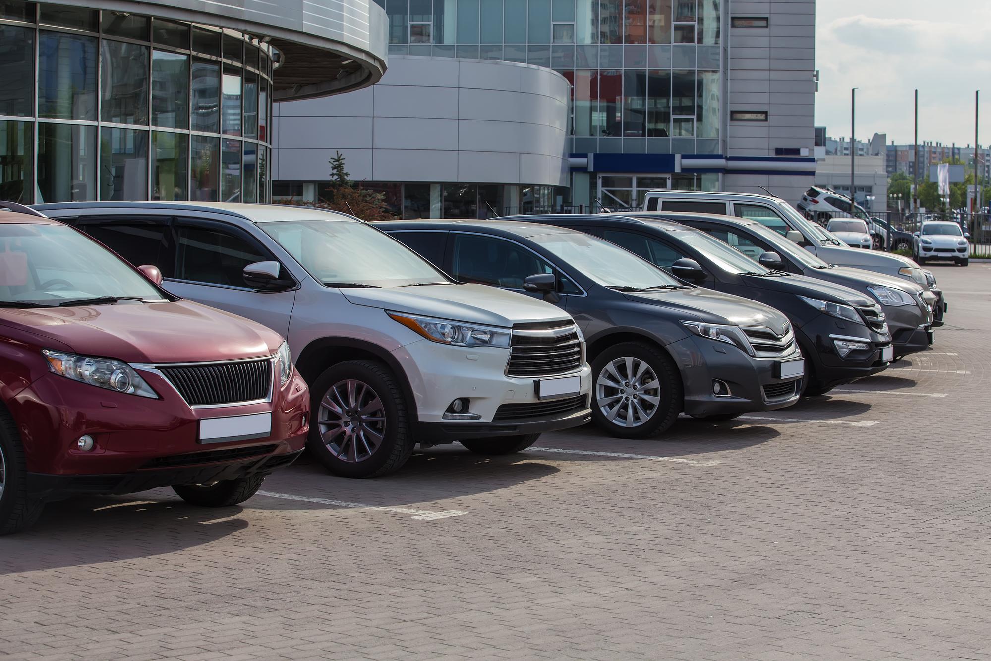 Продавцы обнаглели: цены на подержанные машины взлетели на 33%