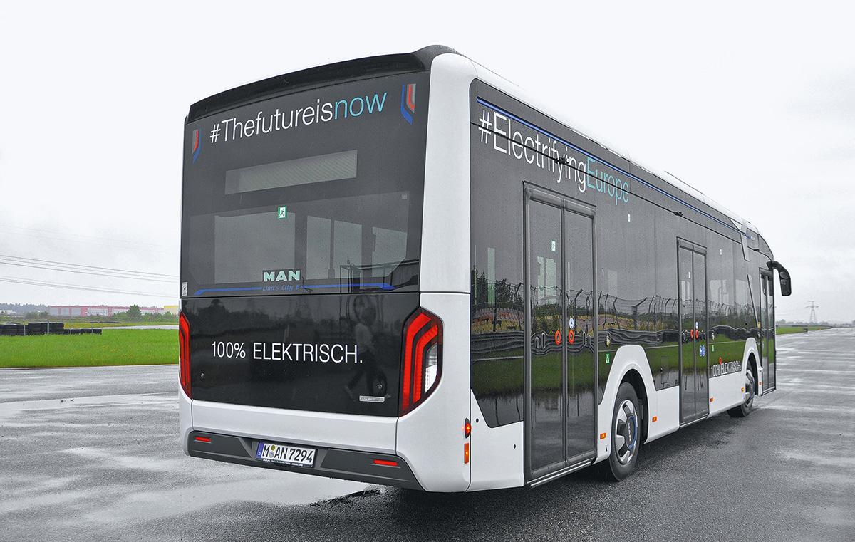 MAN Lion's City 12E: этот электробус с восторгом приняли в Европе. Почему теперь он ездит в Питере на немецких (!) номерах