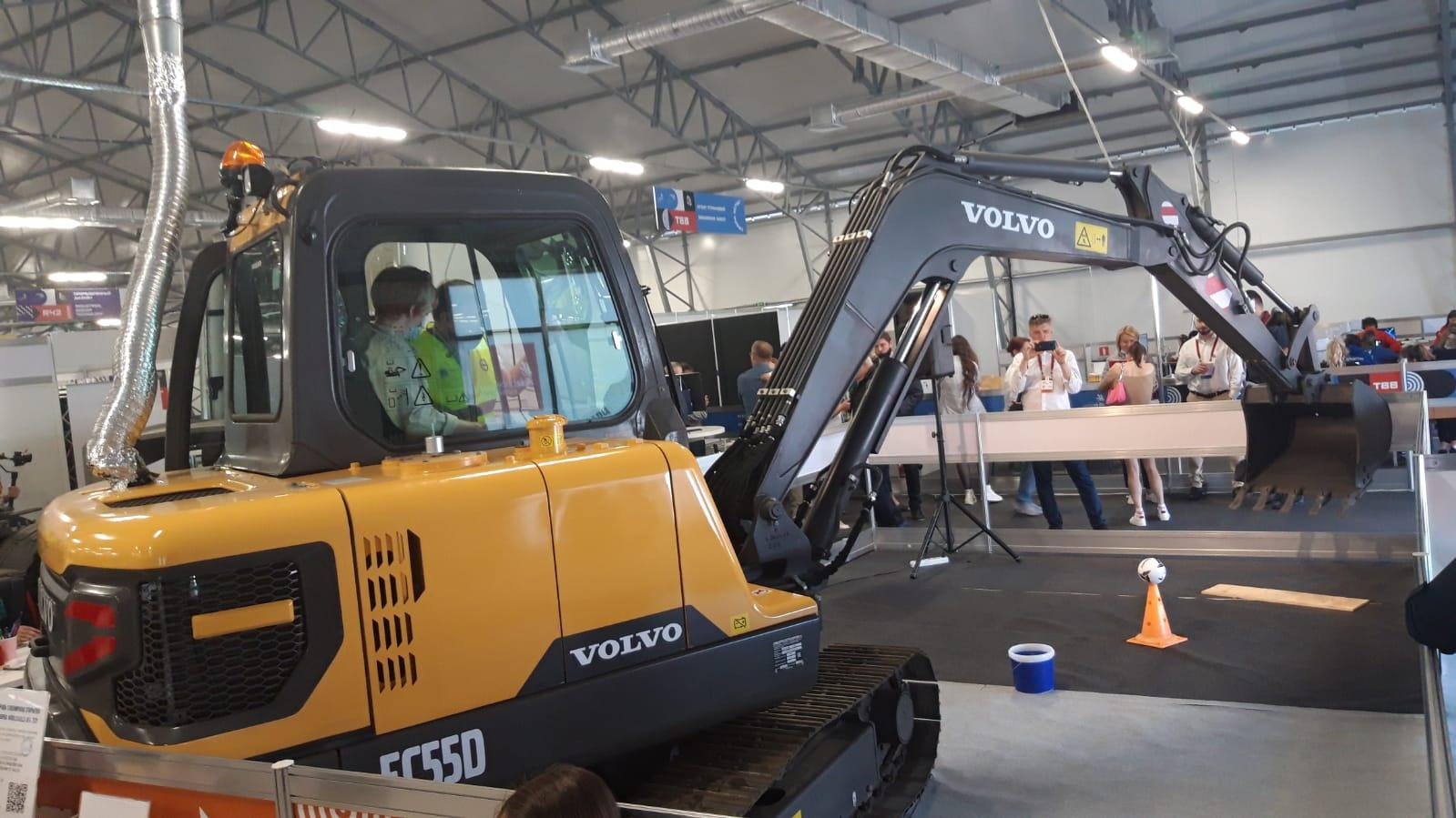 На WorldSkills Russia – 2021 состоялась премьера компактного экскаватора Volvo EC55D