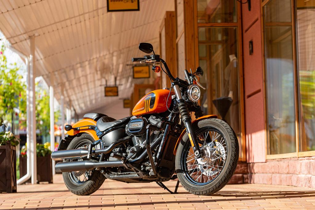Сравнил как едет Harley-Davidson Street Bob с моторами Milwaukee-Eight 114 и 107: делюсь впечатлениями