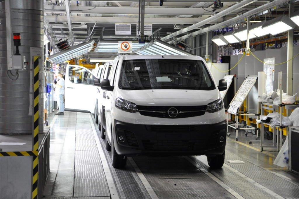 «Нареканий нет»: что говорят иностранцы о машинах и моторах российского производства
