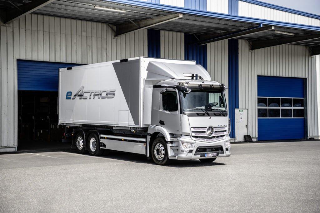 Загибаем пальцы: чем интересен электрический Mercedes-Benz eActros: