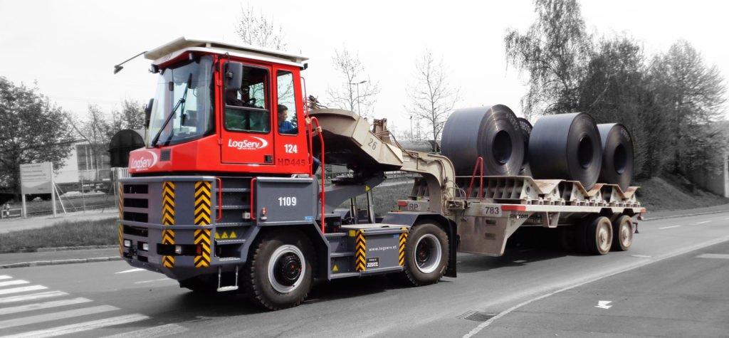 Терминальные тягачи: необычные грузовики, которые никогда не выезжают на дороги общего пользования