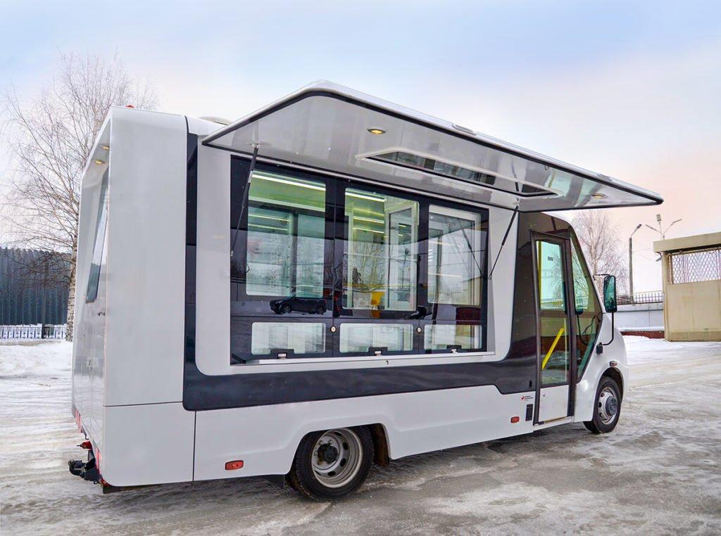 Витрина, холодильник, банкомат: обзор автолавок на базе российских фургонов