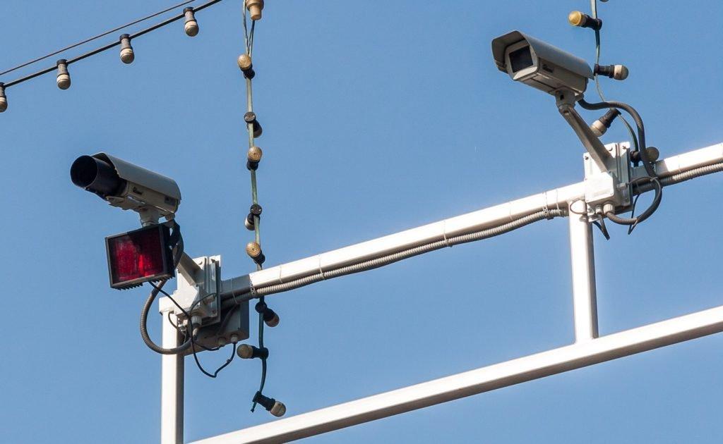 Новый ГОСТ развязал руки ГИБДД: от камер теперь не спастись
