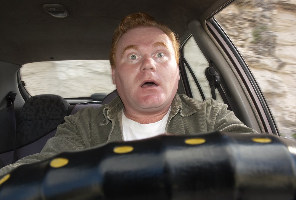 «Чему их учат в автошколах?!»: почему новички не умеют водить машину
