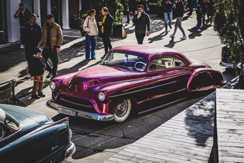WHEELS AND CHAINS: выставка кастомной авто и мото культуры 70-х годов пройдет в Москве