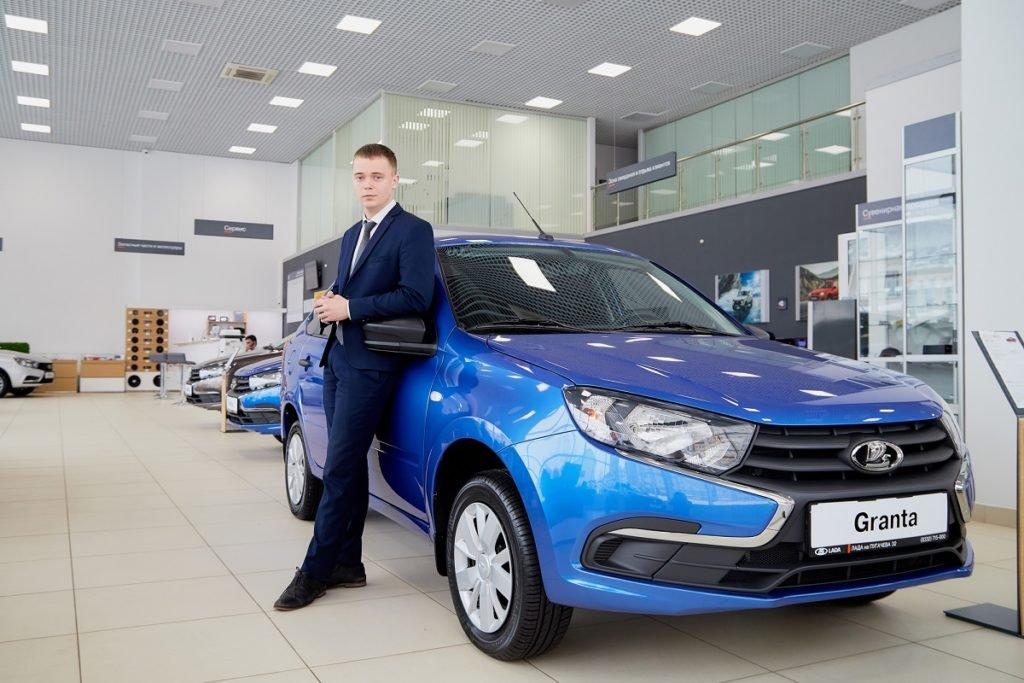 Продажи автомобилей «Лада» рухнули почти на 33%