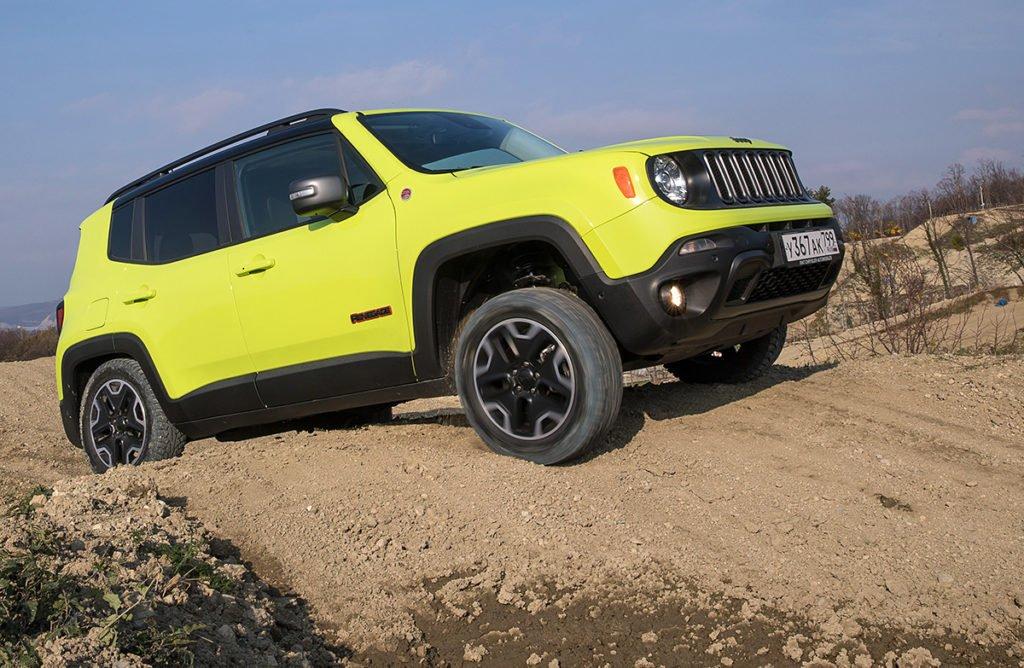 В России прекращены продажи самой дешевой модели Jeep