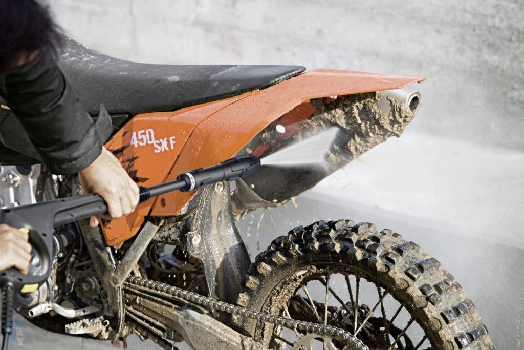 Как хранить мотоцикл зимой: секреты правильной консервации