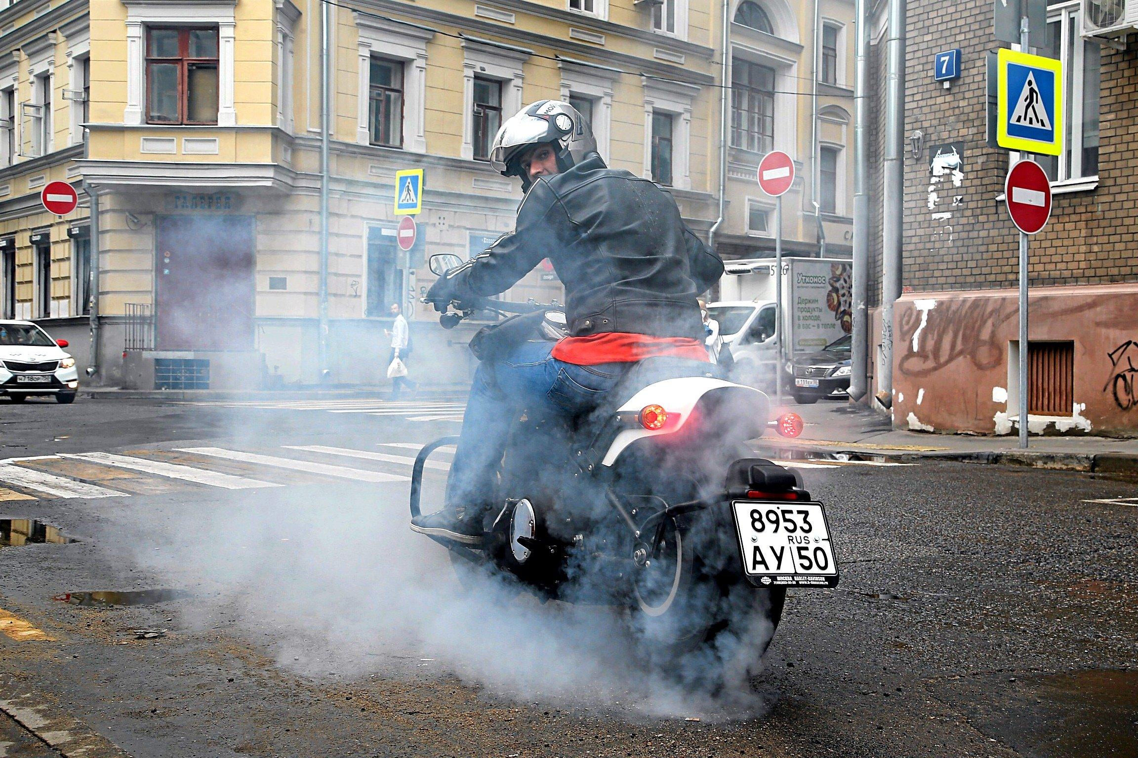 Мешают всем: почему с мотоциклистами борются, вместо того, чтобы им помочь