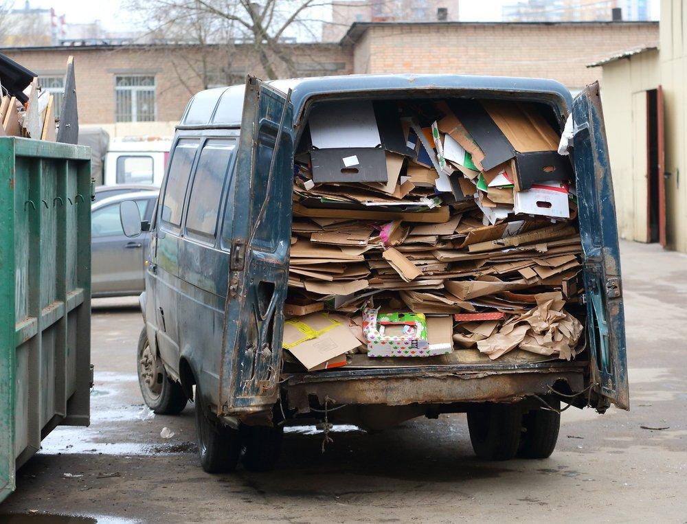 Водителей накажут за мусор: штраф до 200 тысяч рублей