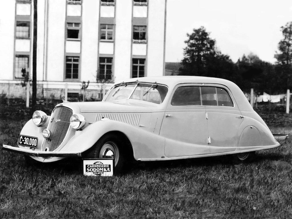 История Skoda Superb: как одна модель вернула чешскую марку в «высшую лигу»