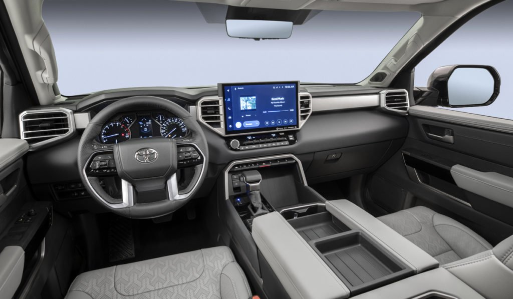 Представлен пикап Toyota с мотором от Land Cruiser 300: он больше и круче, чем «Ленд Крузер»!