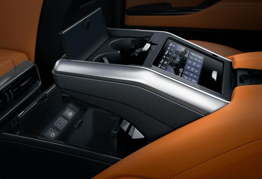Новый Lexus LX: рама, турбированные V6, три блокировки и роскошь