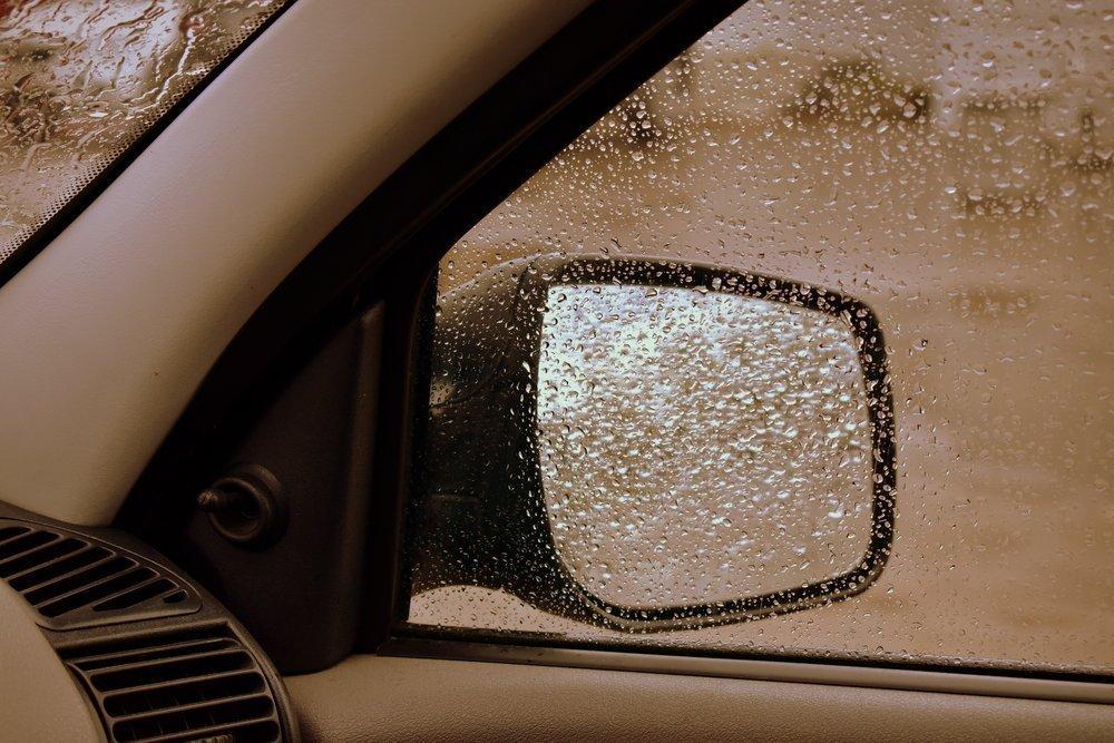 Антидождь для автомобиля: как выбрать и на что обращать внимание при покупке