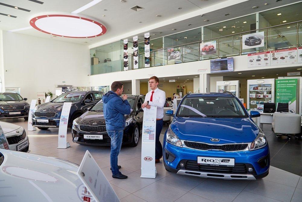 Продажи новых машин рухнули: дилеры расплачиваются за жадность?