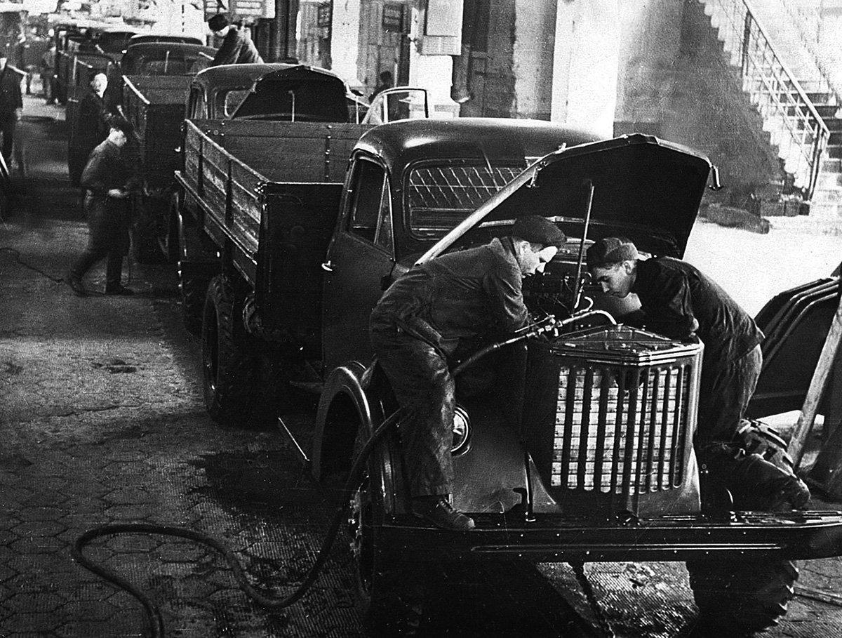 От «Захара» до «Урала»: история грузовиков из Миасса