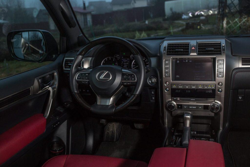 Обновленный Lexus GX 460 начали продавать в России