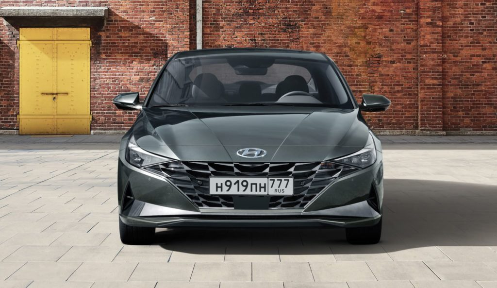 Hyundai предлагает Elantra за 33 900 рублей в месяц