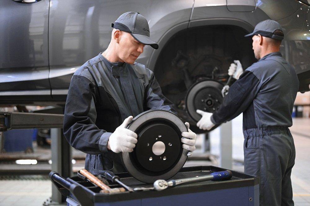 Владельцам Toyota и Lexus гарантируют 7-летнюю защиту от поломок: это бесплатно, но есть нюансы
