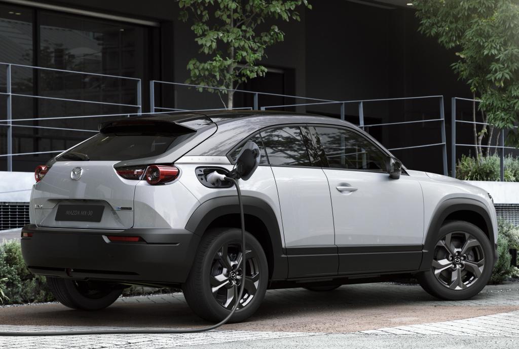 Mazda выпустит пять новых кроссоверов и возродит роторный мотор