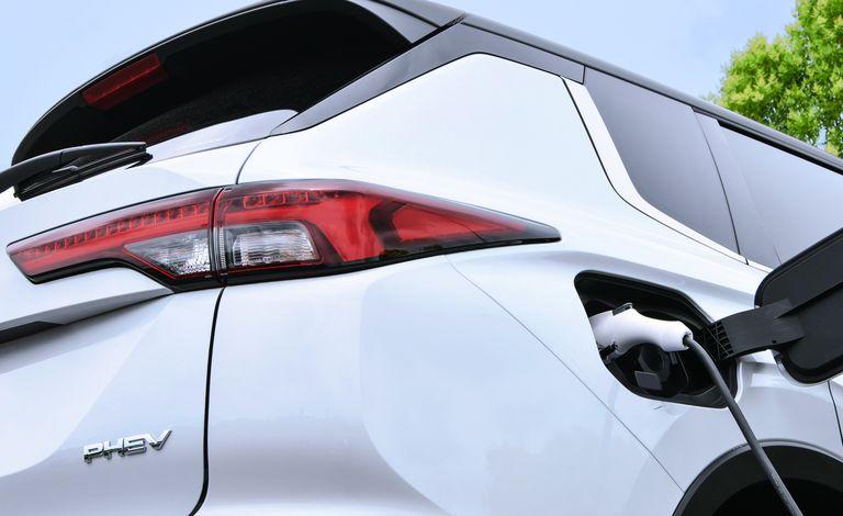 Mitsubishi раскрыла подробности о новом Outlander PHEV